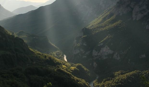 Au fond des gorges de la Tara, l'histoire géologique de l'Europe