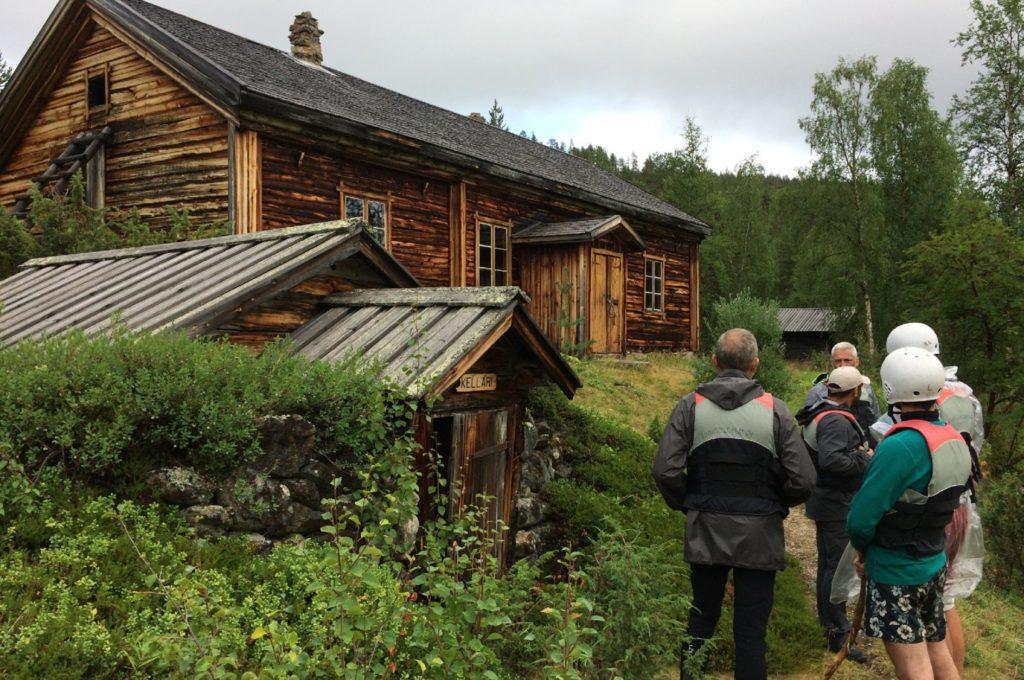Visite du village des chercheurs d'or